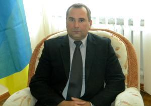 В Первомайске чиновник-кандидат незаконно изъял документ в избиркоме и принялся обвинять БПП в подделке его подписи